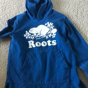 Roots pull on hoodie
